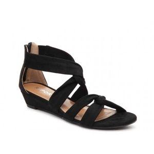 Report Jenny Wedge Twist Black Size 7.5 EUC